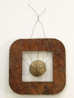 """, wire and stone. """"Trap"""", 2007 by Mari Andrews = inspiration Organic Art, Found Object Art, Assemblage Art, Nature Crafts, Recycled Art, Wire Art, Teaching Art, Stone Art, Box Art"""