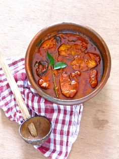 Red Fish Curry — Meen Vevichathu. Very different from the quintessential Bengali fish curry that I grew up on. But it's fish, so it's good!!