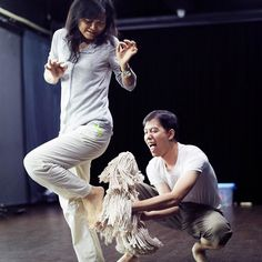 We've been in Guangzhou again where we've finished putting together and directing a rough version of the new 同聲同戲 (Friends Playback Theatre) devised show.  There was some puppetry involved with @ivorhoulker making a dog puppet out of some mop heads seen in action here.  It was great to work with such an enthusiastic group and they really worked hard to get the whole show together in such a short time.  More photos of the process to come!  #physicaltheatre #puppetry #objecttheatre…