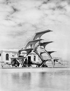 Trampolin Lido Weston-Super-Mare, Somerset, UK. Built 1937, demolished 1981.