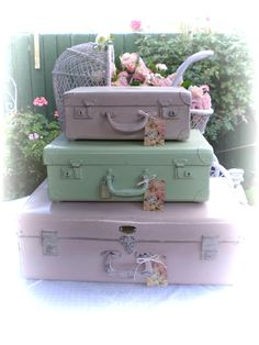 paint luggage pretty spring colors and stack or storage! Vintage Suitcases, Vintage Luggage, Vintage Colors, Vintage Pink, Painted Suitcase, Vintage Train Case, Simply Shabby Chic, Pastel Colors, Pastels