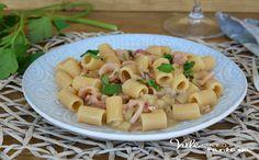 PASTA PATATE E CALAMARI ricetta primo piatto facile e veloce, cremosa, saporita e di pochi ingredienti, ricetta primo piatto di pesce