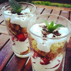 Flavours of Amellia: Jednoduché trifle s jahodami