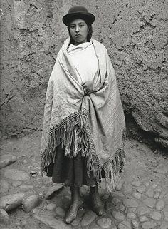 Indio, ilustrado y cosmopolita, Martín Chambi capturó la esencia de Perú en sus fotografías y mostró la belleza de su tierra al mundo. Cuzco, la ciudad en la que encontró el alma andina, le dedica una ambiciosa exposición que descubre instantáneas inéditas hasta ahora