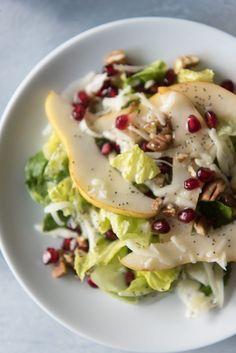 Winter Pear, Pomegranate & Swiss Salad with Poppy Seed Dressing is a gorgeous way to use the best fruits of the season and perfect for any holiday dinner. Salad Bar, Side Salad, Soup And Salad, Pasta Salad, Brunch Salad, Pomegranate Salad, Cooking Recipes, Healthy Recipes, Skinny Recipes