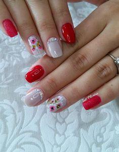 32 fotos de unhas decoradas com flores fáceis de desenhar nail color combos Best Nail Art Designs, Nail Designs Spring, Beautiful Nail Designs, Classy Nails, Trendy Nails, Cute Nails, Hair And Nails, My Nails, Creative Nails