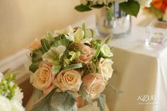 Peach Rose & Green Accent Bouquet by Aria Style (photo by Azzura Photography) / www.ariastyle.com / https://www.facebook.com/AriaStyle / http://instagram.com/ariastyleseattle