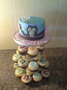 Owl themed 40th cake with matching cupcakes