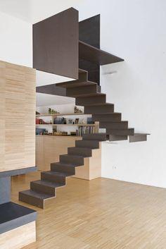 Busca imágenes de Pasillos, vestíbulos y escaleras de estilo industrial de roberto murgia architetto. Encuentra las mejores fotos para inspirarte y crea tu hogar perfecto.