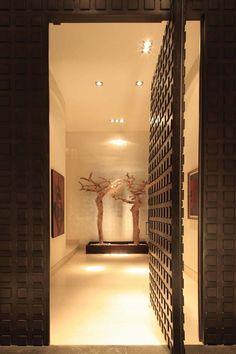 Front Door… The CG House by GLR Arquitectos - Outstanding entry door Architecture Design, Contemporary Architecture, Pivot Doors, Entry Doors, Front Doors, Lobby Design, Flur Design, Mexico House, Modern Door
