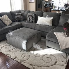 Charlton Home Ellicottville U-Shaped Sectional Simple Living Room, Living Room Grey, Small Living Rooms, Living Room Designs, Living Room Sectional, Sectional Sofas, U Shaped Couch Living Room, Family Room Decorating, Inspiration