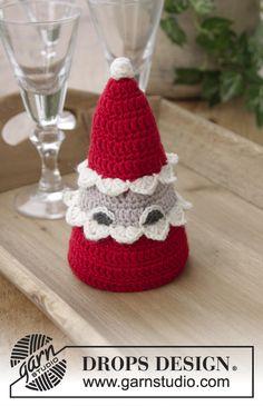 Ravelry: The Santa Bunch pattern by DROPS design Crochet Santa, Crochet Snowman, Crochet Ornaments, Free Crochet, Drops Design, Christmas Holidays, Christmas Crafts, Christmas Decorations, Christmas Ornaments