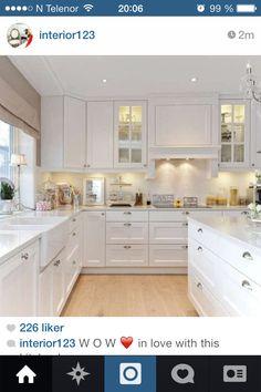 Hvitt kjøkken More
