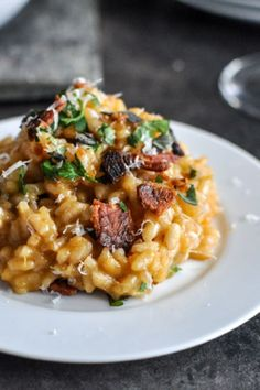 This recipe for Roasted Sweet Potato Risotto gets a splash of delicious seasoning when you incorporate nutmeg, smoked paprika, and rosemary into this creamy dish. Serve up this dish with a topping of bacon—making it perfect for fall. Risotto Recipes, Pasta Recipes, New Recipes, Dinner Recipes, Cooking Recipes, Favorite Recipes, Healthy Recipes, Budget Cooking, Nutmeg Recipes Savory