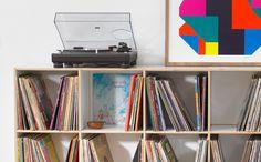 Ein Formschönes HiFi Rack Mit Stabilen LP Regal Für Mehrere Tausend  Langspielplatten. Modul Für Modul Wachsen Die LP Regale Mit Ihrer LP  Sammlung.