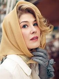 rosamund pike as grace kelly in headscarf