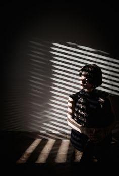 Entre romantismo dark e fantasias, osretratos de Alessio Albinos transportam, literalmente para um mundo de texturas, luzes e sombras de uma combinação implacável. Alessio tem 28 anos. Seu lar está entre Perugia, Roma e Italia. O artistacomeçou a fotografar apenas 3 anos atrás, e ele é também nutricionista.        (...)