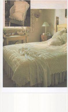 Magazine tricot couvre-lit & coussin couvrir Knitting pattern pour couvre-lit & coussin couverture en laine dAran.  Le couvre-lit mesure 187,5