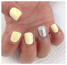 50 Stunning Manicure Ideas For Short Nails With Gel Polish That Are More Exciting cute-nails-for-yellow-quinceanera-dress Summer Gel Nails, Short Gel Nails, Spring Nails, Cute Nails, Pretty Nails, Diy Nails, Gel Nagel Design, Yellow Nail Art, Pastel Yellow