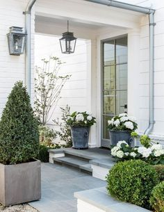 The front door. Beautiful modern farmhouse style exterior inspiration on Hello Lovely Studio Modern Farmhouse Exterior, Modern Farmhouse Style, Farmhouse Front, Modern Farmhouse Porch, Design Exterior, Interior And Exterior, Interior Ideas, Door Design, Front Porch Plants