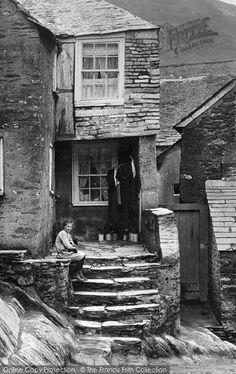 Photo of Polperro, A Girl By The Old Smugglers Cottage 1924 Beautiful Stairs, Beautiful Buildings, Old Time Photos, Old Pictures, Bill Brandt Photography, First Color Photograph, Polperro Cornwall, Things To Do In Cornwall, Jamaica Inn