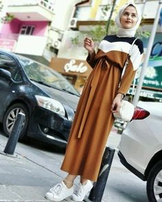 Fresh hijab outfit ideas Fresh hijab outfit ideas – Just Trendy Girls Modest Fashion Hijab, Street Hijab Fashion, Hijab Chic, Modern Hijab Fashion, Fashion Outfits, Fashion Muslimah, Abaya Fashion, Hijab Trends, Outfit Trends
