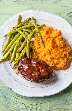 Easy balsamic meatloaf recipe More comfort food and Valentines Day dinner recipes on Kid Friendly Meatloaf Recipe, Meatloaf Recipes, Beef Recipes, Cooking Recipes, Healthy Recipes, Easy Meatloaf, Chicken Recipes, Italian Meatloaf, Vegetarian Cooking