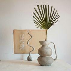 Curvy jug - by Anaïs E. Skinner