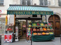 Petite épicerie dans le quartier de Beaubourg - Paris