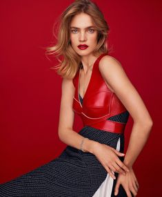 Natalia Vodianova wearing Louis Vuitton red leather dress for cover of Harper's Bazaar Spain's December Photographed by Thomas Whiteside… Colorful Fashion, New Fashion, Fashion Models, Girl Fashion, Fashion Designers, Edie Campbell, Natasha Poly, Anna Ewers, Natalia Vodianova