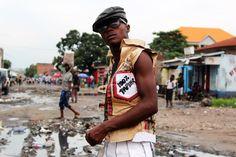 De sapeurs van Kinshasa hebben een monsterlijk goed neusje voor mode | VICE | Netherlands