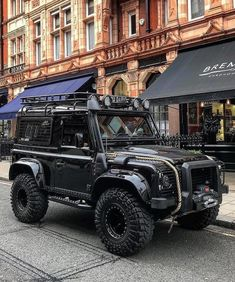 The British Beast Land Rover Discovery Landrover Defender, Defender Camper, Land Rover Defender 110, Defender 90, Jeep 4x4, Land Rovers, Chevrolet Blazer, Offroader, Auto Retro