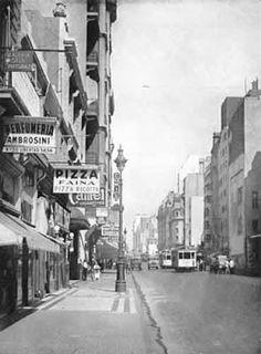 Foto hacia 1937. La calle corrientes recientemente ensanchada