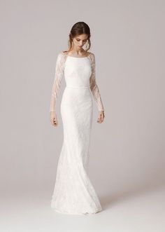 We chose the most breathtaking winter wedding dresses for 2016 brides from amazing designers like Maria Senvo, Halfpenny London, Inbal Dror and more!