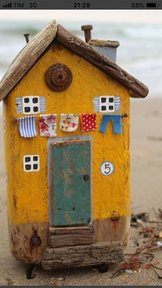 Beach Crafts, Crafts To Do, Home Crafts, Crafts For Kids, Arts And Crafts, Diy Crafts, Small Wooden House, Wooden Cottage, Wooden Houses