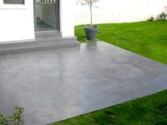 Decorative concrete slab - Facing coating on a concrete slab - DIY Decor Ideas Concrete Color, Polished Concrete, Concrete Patio, Concrete Prices, Garden Floor, Terrace Garden, Back Patio, Outside Patio, Garage To Living Space