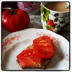 Breakfast. Photo by mademoiselle MAYBEE. July 2013, Estonia.