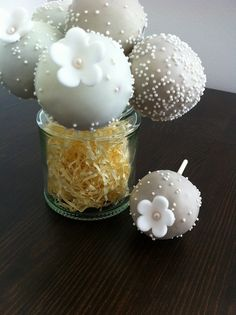 cakepops as treats on table