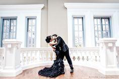 Pre wedding kis in black theme. more : www.bridestory.com