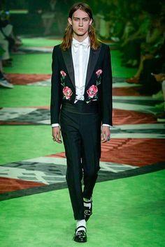 Gucci Spring 2017 Menswear Fashion Show