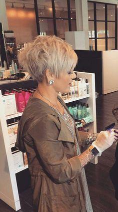 Best Pixie Haircuts for Over 50 2018 – 2019 Thin Hair Cuts thin hair cuts female Pixie Haircut For Thick Hair, Pixie Bob Haircut, Thin Hair Cuts, Popular Short Hairstyles, Short Pixie Haircuts, Cute Hairstyles For Short Hair, Short Hair Styles, Hairstyles 2018, Shaggy Pixie Cuts