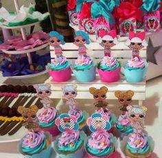 Lindos cupcakes decorados con el tema de LOL surprise para el cumple 9 de Camila y Matilda #mgbakery #dulcesdecorados #mesadedulces #detallespersonalizados #cupcakes #lolsurprisedolls #casakids #aragua #caracas #valencia #venezuela