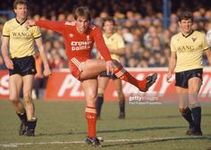 OXFORD, ENGLAND - MARCH Kenny Dalglish of Liverpool in action during the Today League Division One match between Oxford United and Liverpool at the Manor Ground on March 1987 in Oxford, England. Kenny Dalglish, Oxford United, Celtic Fc, Oxford England, Division, Liverpool, Legends, March, The Unit