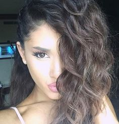 Here's What Ariana Grande's Hair Looks Like Without Extensions