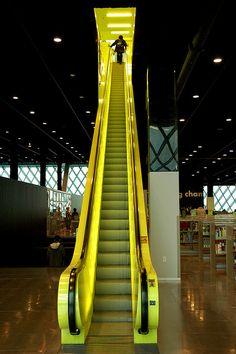 Rem Koolhaas - Red stairway. Seattle Public Library - Seattle - 2004
