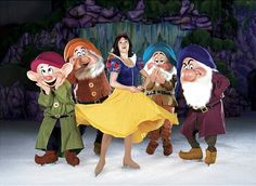 Snow White [feat. Dopey, Doc, Bashful & Grumpy] (Disney On Ice) #SnowWhiteAndTheSevenDwarfs