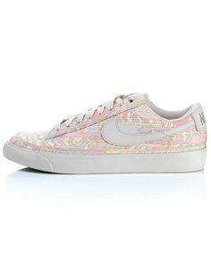 Eb's Print Blazer Low Shoes, Liberty Nike Collection.