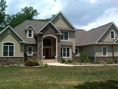 1000 images about stone accent on pinterest hardy plank for Brick houses with stone accents