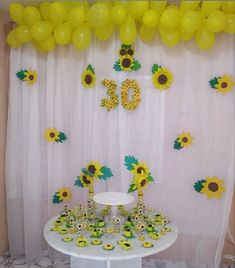 Sunflower Birthday Parties, Sunflower Party, Birthday Decorations At Home, Wedding Stage Decorations, Girls First Birthday Cake, Birthday Diy, Sunflowers And Daisies, Happy Birthday Wishes Cards, Sunshine Birthday
