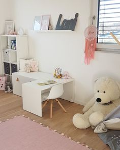 Zu Hause bei Lisa – DESMONDO Best Picture For baby room decor mountains For Your Taste You are looking for something, and it is going … Ikea Kids Playroom, Playroom Furniture, Playroom Ideas, Gender Neutral Bedrooms, Baby Nursery Neutral, Baby Room Diy, Baby Room Decor, Baby Rooms, Bedroom Themes